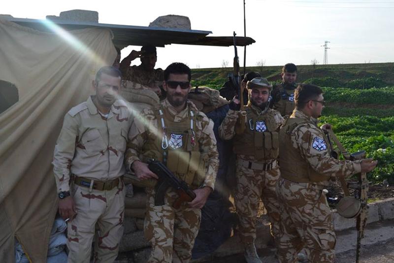 米国の元軍人ブレッドさんが参加しているという、イラクのキリスト教民兵組織「ドゥウェイク・ナーシャ」の兵士たち(写真:ドゥウェイク・ナーシャのフェイスブックより)<br />