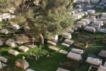 エルサレム「シオンの丘」の墓地修繕 キリスト・イスラム・ユダヤ教徒が協力 反ヘイトクライムで
