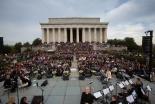 野外イースター礼拝に7千人参加 米ワシントン・リンカーン記念館前で