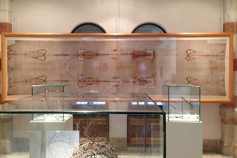 聖骸布博物館(イタリア・トリノ)に展示されている聖骸布のレプリカ(写真:Greg Sass)