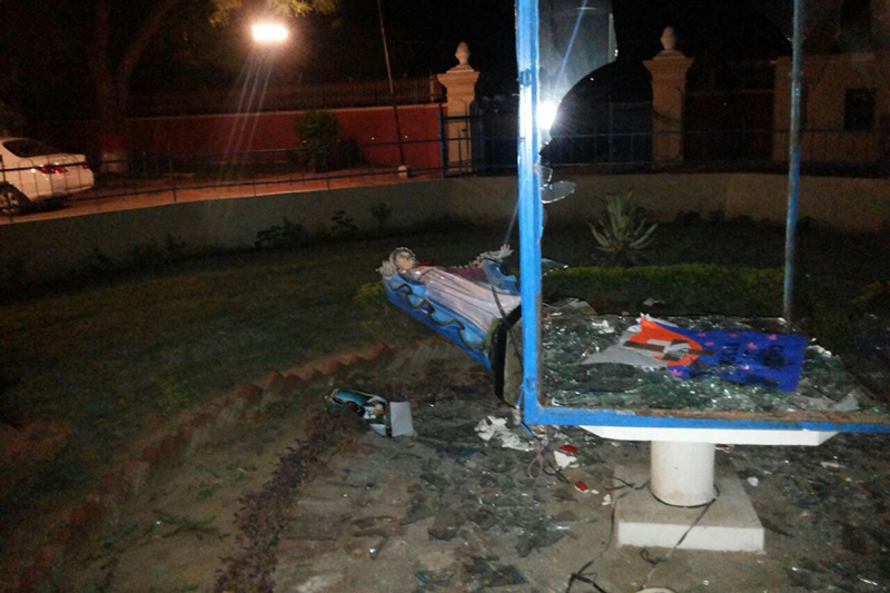 インド北部ウッタルプラデーシュ州の都市アグラにある聖マリア・カトリック教会が16日早朝、何者かによって襲われ、聖母マリアや幼子イエスの像が破壊され、ガラス窓などが割られる被害に遭った。(写真:インド・クリスチャントゥデイ)
