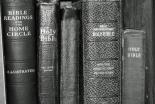 「聖書は神の霊感により書かれ、偽りないが、一部は象徴的」と考える米国人が増加