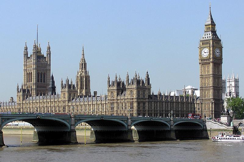 英国の議事堂であるウェストミンスター宮殿