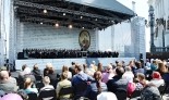 チャイコフスキー生誕175年・戦勝70年記念し、救世主ハリスト大聖堂前でコンサート