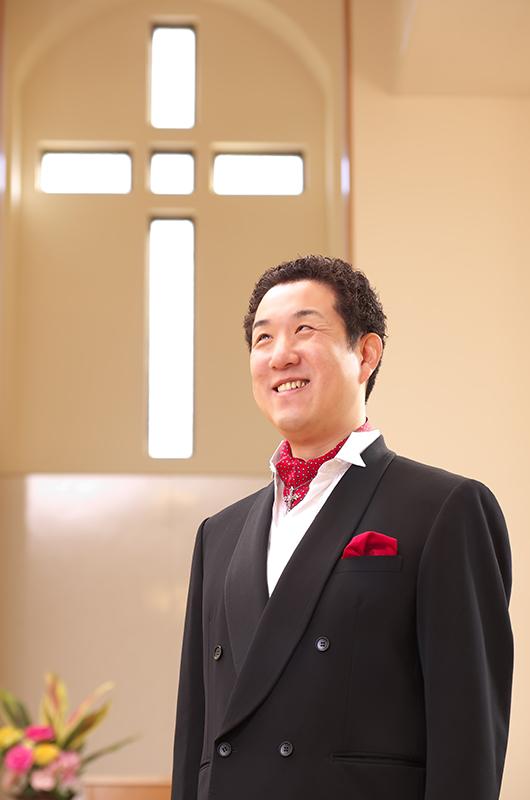 全盲のピアニスト、声楽家として、全国の教会、自治体などで数多くの演奏会や講演会を行っている北田康広さん