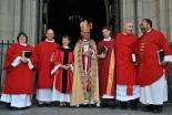 神の呼び方を性的に中立に 英国国教会の女性司祭グループが呼び掛け