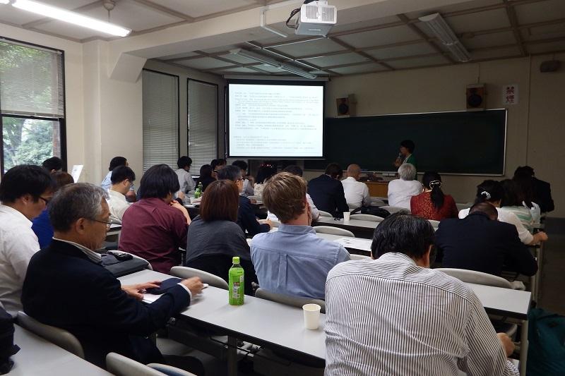 1日目の個人発表は同時に3つの会場で行なわれた=13日、東京大学(東京都文京区)で