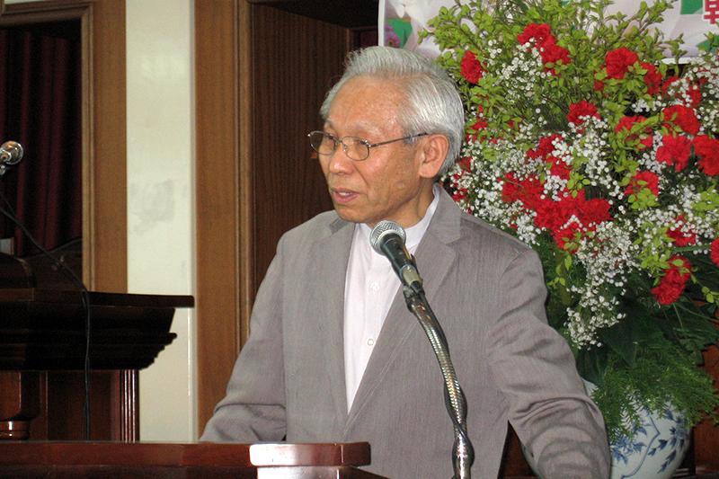 講演するソウル日本人教会の吉田耕三牧師=5月25日、同教会で