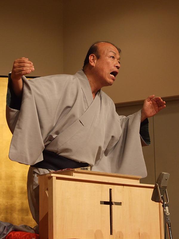 「神様、えらいすんまへん」「ほな、助けたろか」 大阪でプロの落語家と牧師らによるゴスペル落語会