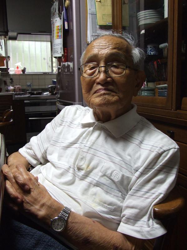 後宮俊夫氏。7月、滋賀県湖南市の自宅で。