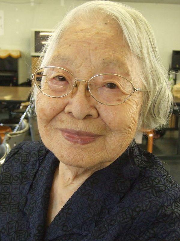 来月100歳の誕生日を迎えるという笠井政子さん。日本基督教団頌栄教会で。