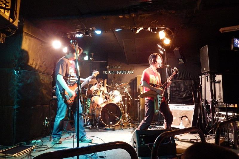 ロックで十字架の愛を叫ぶ! 「Calling Records」がレコ発ライブ開催