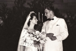 ビリー・グラハム氏、72年前のきょう結婚 ウェディング写真公開