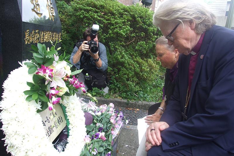 WCC訪問団も献花、長崎・平和公園で朝鮮人被爆者を追悼 在外被爆者の援護拡充求める声も