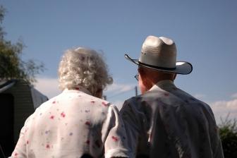 「ケンカ一度もない」 戦争、息子の死乗り越え 結婚暦75年の老夫婦