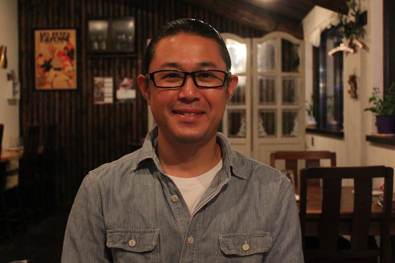 クーリ・ルージュのオーナーシェフ、石川資弘(もとひろ)さん。宇都宮に移転して4年以上たった今でも、西荻窪時代の客が誕生日や結婚記念日などにはいつも訪れてくれるという。