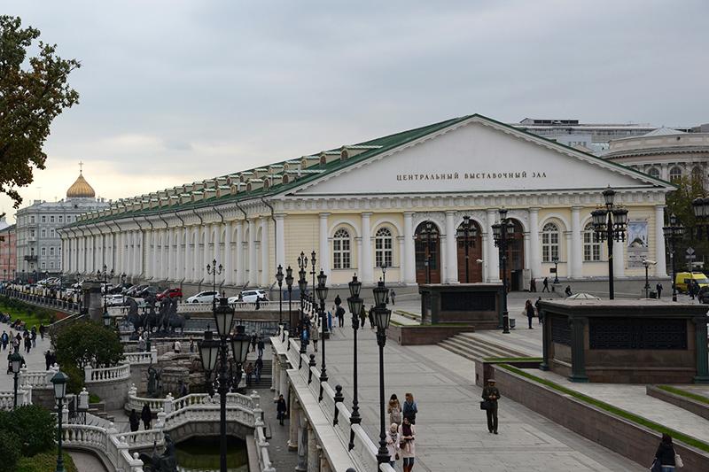 活動家グループが乱入したモスクワにある展示会場「マネージ」(写真:Jorge Lascar)