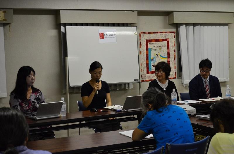 トークイベントでは、JIM−NETイラク駐在スタッフの榎本彰子さん(中央左)のほか、人権問題に詳しい弁護士の伊藤和子さん(左)、女性自衛官の裁判支援を続ける七尾寿子さん(中央右)が語った=8月26日