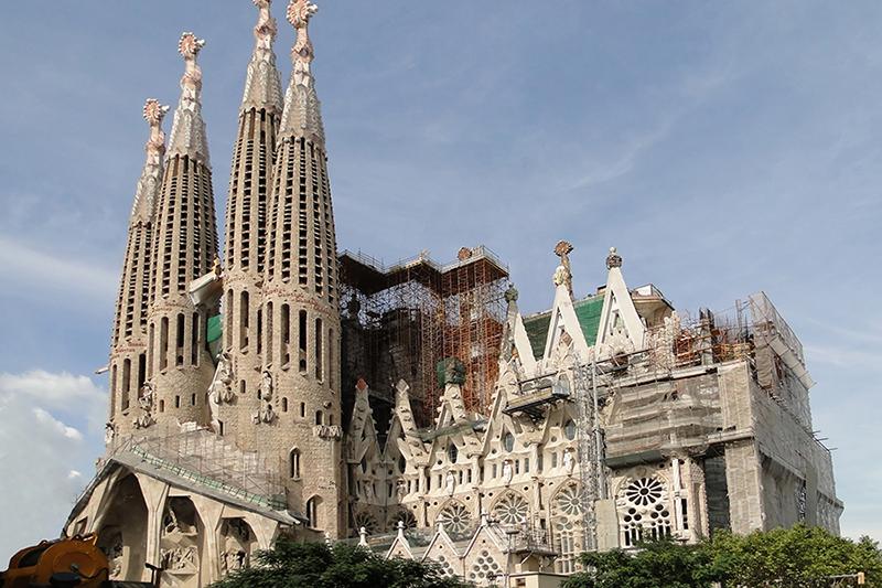 現在も建設中のサグラダ・ファミリア教会=2009年(写真:Bernard Gagnon)