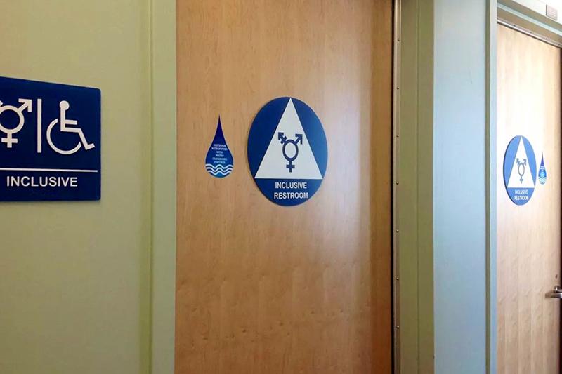 米カリフォルニア大学アーバイン校に設置されている男女共用トイレ(写真:Ted Eytan)