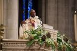 米国聖公会初の黒人首座主教が着座 「神はまだ働きを終えていない」