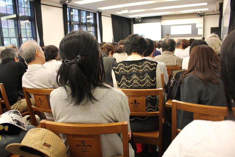 「戦争は終わっても終わらない」立教大学で写真家・大石芳野氏の講演会開催 写真展も同時開催