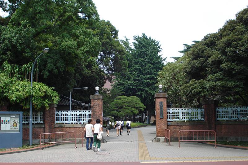 東京芸術大学の上野キャンパス音楽学部正門(写真:Tyoron2)<br />