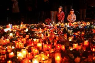 世界の教会指導者、ベイルートやパリのテロ事件で相次ぐ非難や祈り