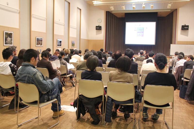 集会には約70人が集まり、福島の避難者へのカンパも行われた=17日、聖イグナチオ教会(東京都千代田区)で
