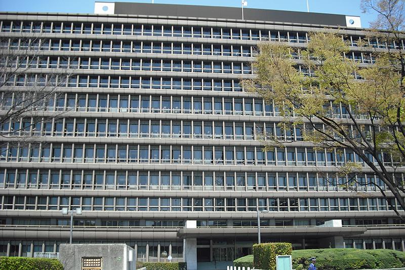 大阪高等・地方・簡易裁判所合同庁舎本館(写真:スケロク)