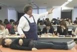 日本で研修会を開いておられるイブ・ジネストさん