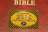 無神論者、「聖書なし」のホテル客室を求める呼び掛け 代わりにダーウィンの「種の起源」設置求める