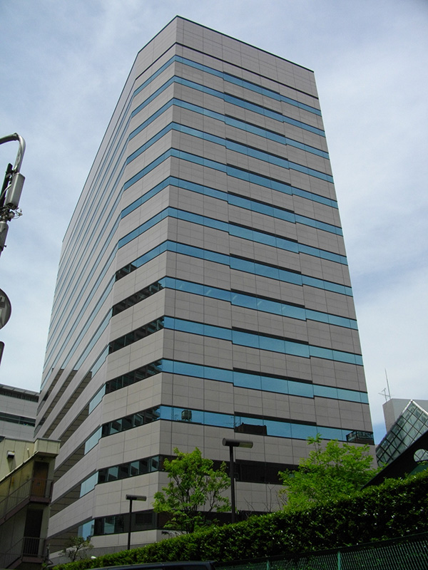 科学技術振興機構(JST)が入居する川口センタービル(写真:あばさー)