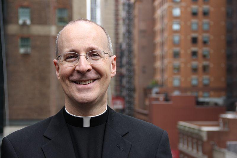 イエズス会のジェイムズ・マーティン神父(米国)(写真:Kerry Webber)