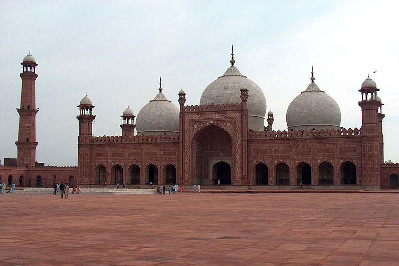 パキスタンのパンジャブ州ラホールにあるバードシャヒー・モスク