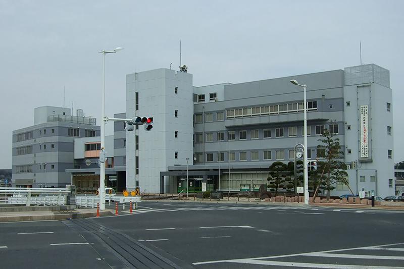 中間市役所(写真:Muyo)