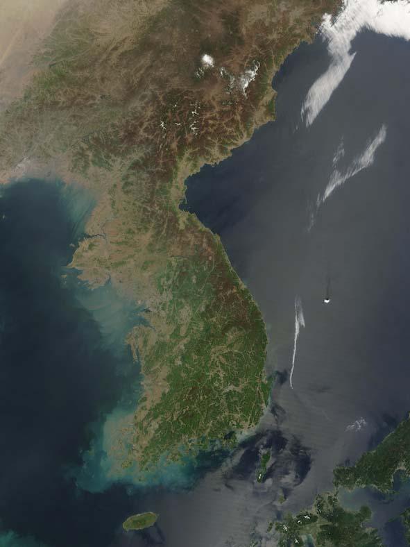 朝鮮半島の衛星写真(写真:NASA)