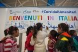 シリア難民、イタリアに到着 キリスト教団体の支援プロジェクトで