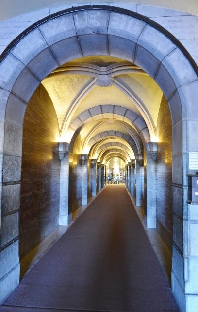 FINE ROAD―世界のモダンな教会堂を訪ねて(18)フランスの教会④ ルルドの泉と大聖堂 西村晴道