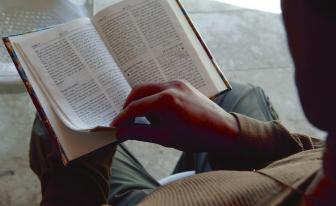 聖書協会、戦争のただ中で続くシリアでの聖書頒布事業
