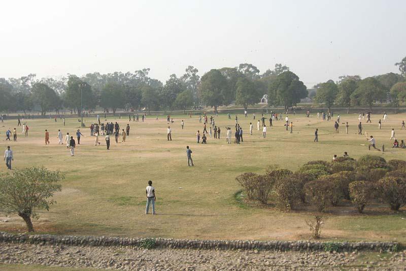 襲撃が起きたパキスタン東部のラホールにあるグルシャン・イ・イクバル公園(写真:Adnanrail、2009年に撮影)