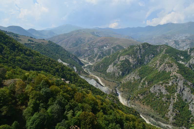 ナゴルノ・カラバフの山岳地帯(写真:Sonashen)