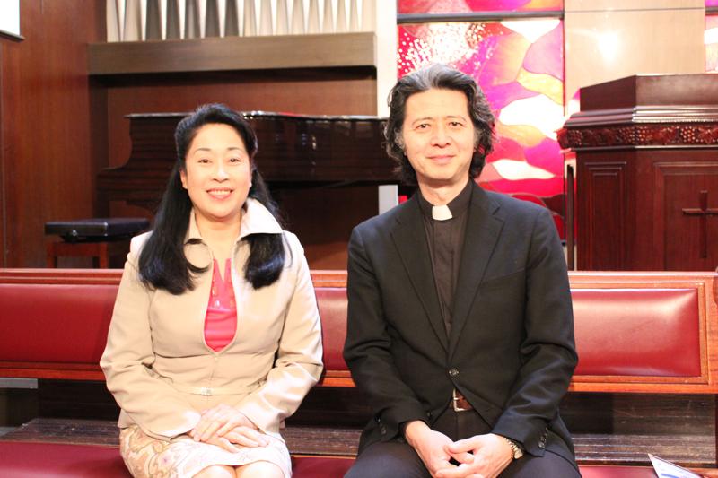 オペラ歌手の稲垣俊也さん(写真右)と遠藤久美子さん(同左)