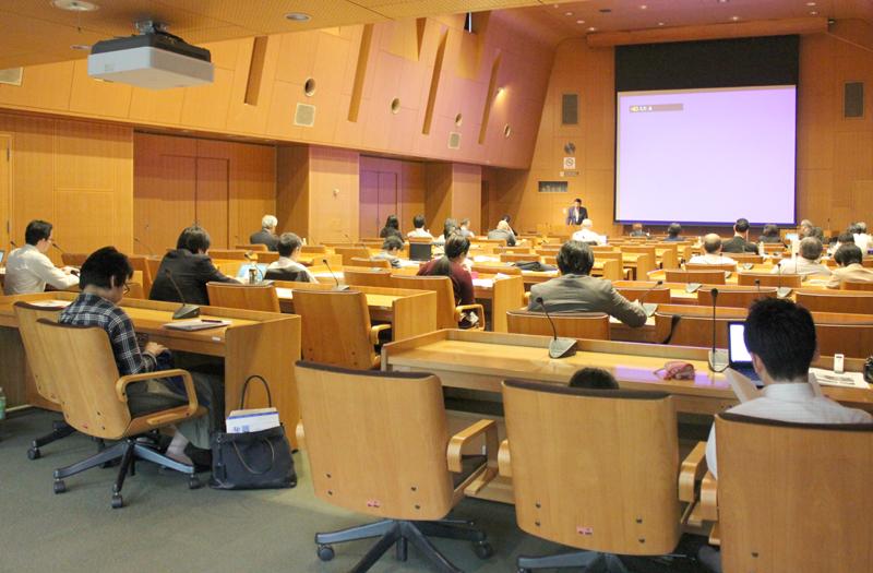 「水平の〈運動〉から、垂直の〈活動〉に」 神戸国際支縁機構の岩村牧師 災害ボランティアを語る