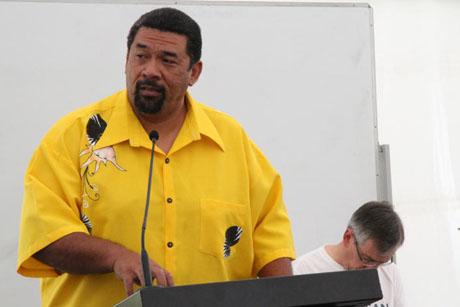 アオテアロワ・ニュージーランドおよびポリネシア聖公会の総会で、同情から協力関係へと移るよう教会に呼び掛けるフェイ・テヴィ氏(写真:Anglican Taonga)