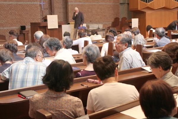 ケネス・デール氏が語る「全人的な人間理解と愛する心」 第3回デール記念講演会開催
