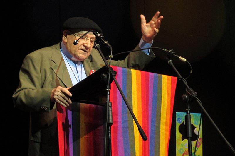 2013年にキューバの首都ハバナで開かれた中南米教会協議会(CLAI)の第6回総会の開会式で説教をするフェデリコ・ホセ・パグーラ監督(写真:Marcelo Schneider / 世界教会協議会=WCC)<br />