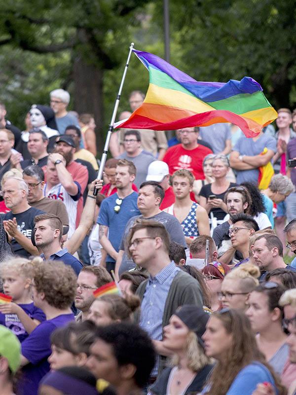 米ナイトクラブ銃乱射事件:ラッセル・ムーア牧師「同性愛者にイエスの愛を示してほしい」