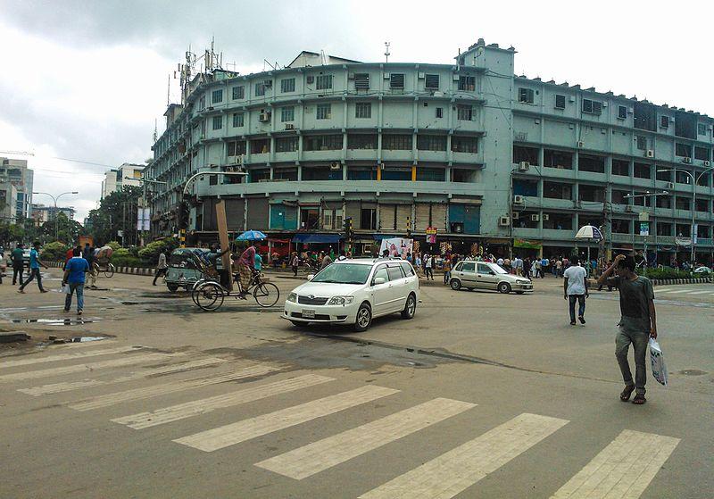 バングラデシュ:首相がテロ統制を決意してもなおおびえる少数者たち