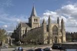 1400年前設立の英国国教会教区が資金難 責任指摘する声も